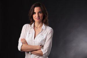 Retrato en estudio para la consultora Elena Benito, por Javi Aguilar